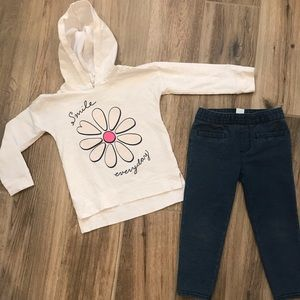 Oshkosh Daisy Smile Top and Jeans 3T